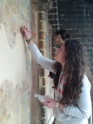 Studentinnen bei der Malereisicherung, Marienkirche FFO, Foto © Jan Raue 2011